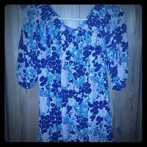 UMGEE Floral Print Top Size small EUC Flowy